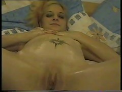 Amateur girl masturbation