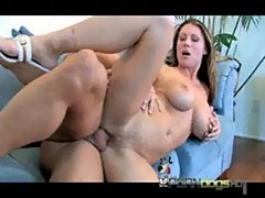 Hot cougar devon lee