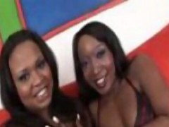 Kandi Kream gets licked by lovely babe