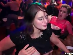 Dirty dancing leads to club fucking