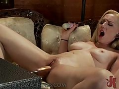 Sexy blonde Finds Pleasure With The Help of A Fucking Machine